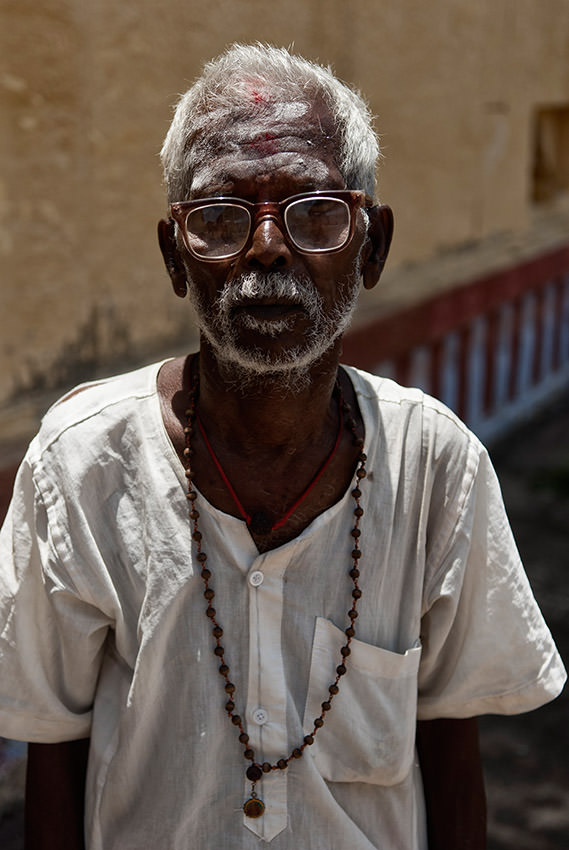 Portrait of a Hinduist in the Sri Ranganathaswamy temple in Trichy, South India