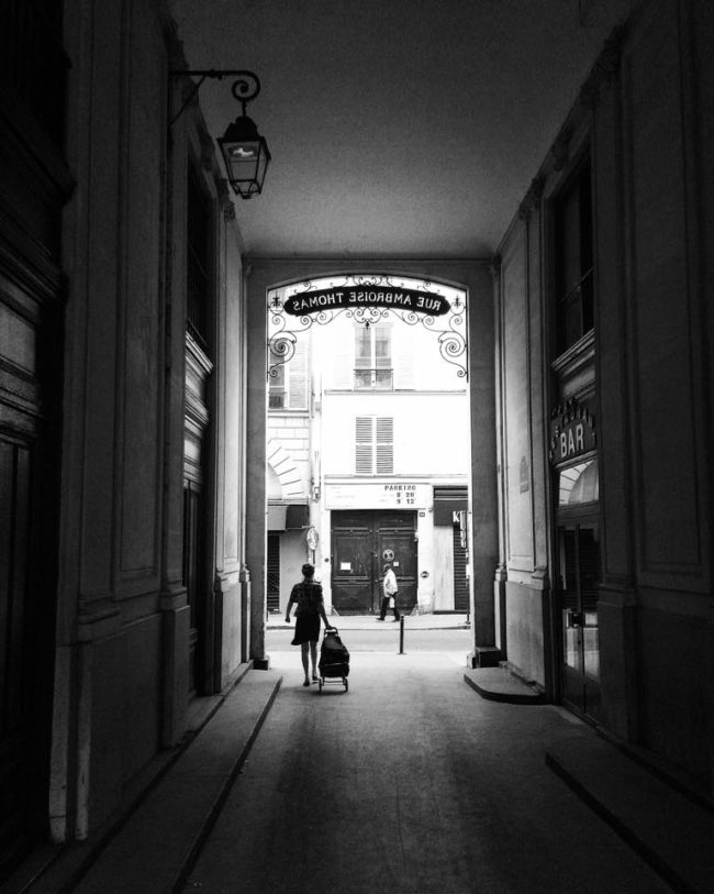 paris street photography noir et blanc