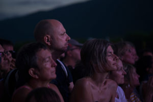 Festival-goers are enjoying the show in Musilac