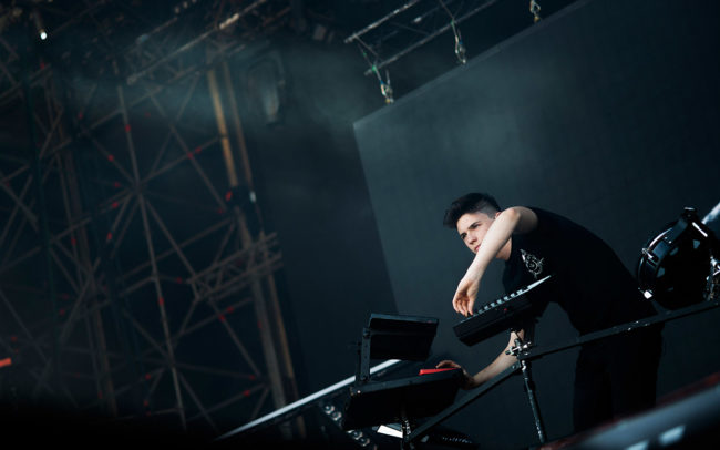 Petit Biscuit on stage