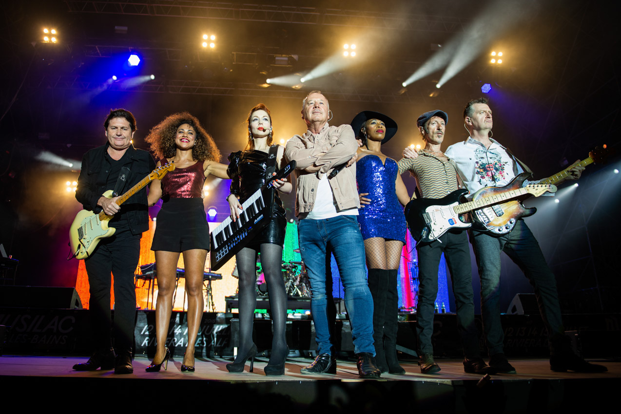 Simple Minds on stage