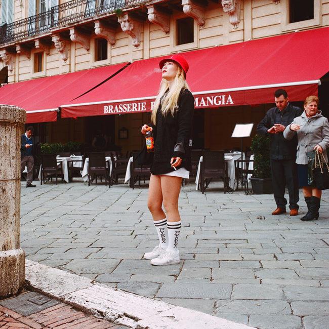 The Asian tourist Piazza del Campo.