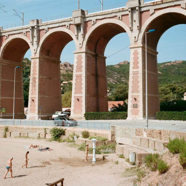 The pink viaduct of the French Riviera.Le viaduc rose de la côte d'Azur.